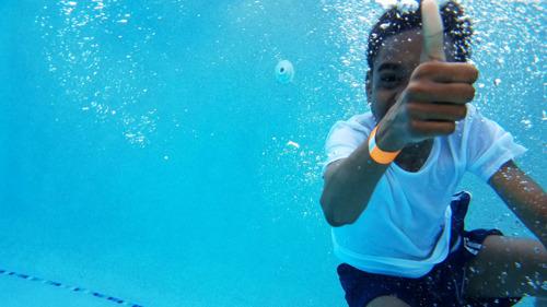 La VGC soutient les travaux de rénovation de la piscine du Jan-van-Ruusbroeckcollege