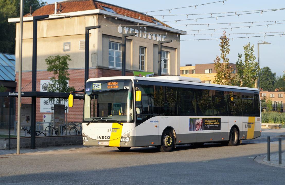 Bussen op het Stationsplein (Overijse) - foto: David Fondu