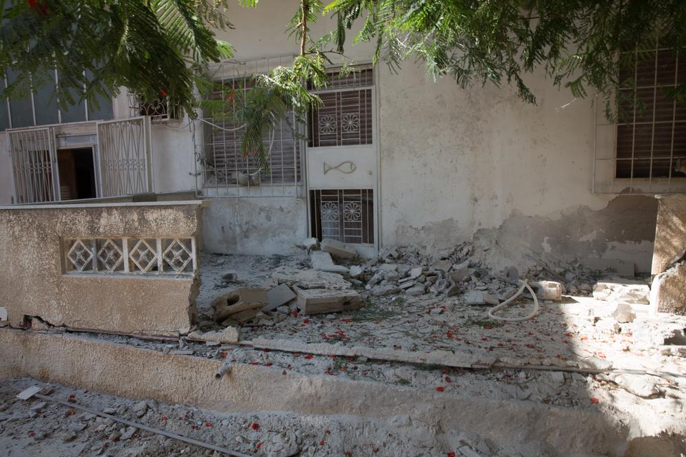 Vernield gebouw in Bin Ashour als gevolg van gevechten in Tripoli op 26 augustus. © AZG