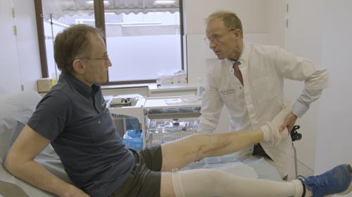 Prof. Bellemans opereert collega-Topdokter dr. Stockx