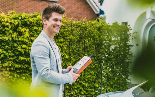 Makkelijker uw elektrische wagen opladen: Alphabet en Eneco eMobility maken het mogelijk.