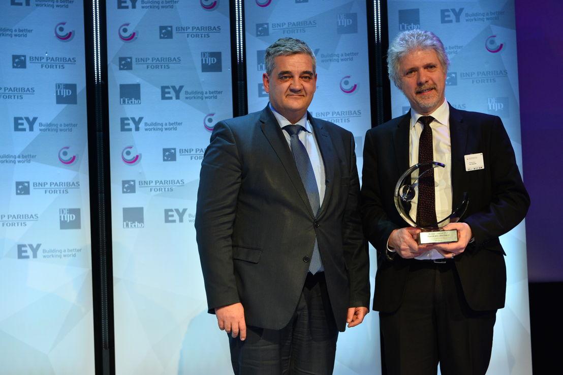 'Organisation publique Fédérale de l'Année' 2017: SPF Finances. Du gauche à droite: Ministre Steven Vandeput & Hans D'Hondt (SPF Finances). (c)Eric Charneux