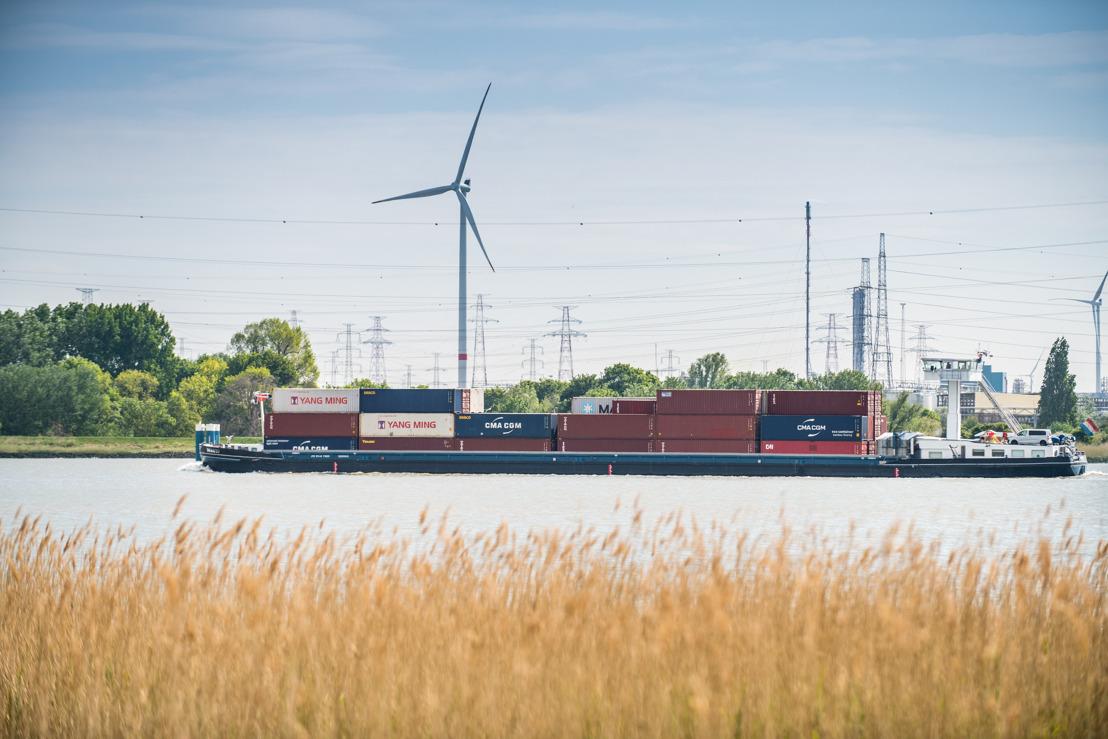 Belgische en Nederlandse binnenvaarthavens willen één walstroomsysteem