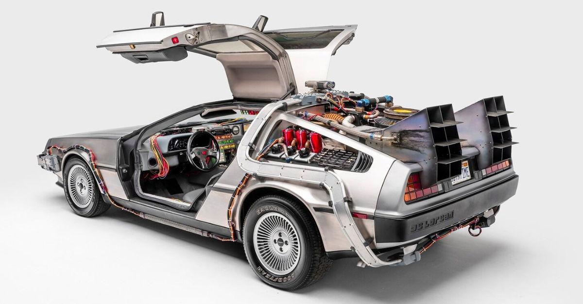 DeLorean Time Machine de Volver al Futuro (1985), Volver al Futuro II (1989), y Volver al Futuro III (1990)  Crédito: Museo Petersen del Automovilismo