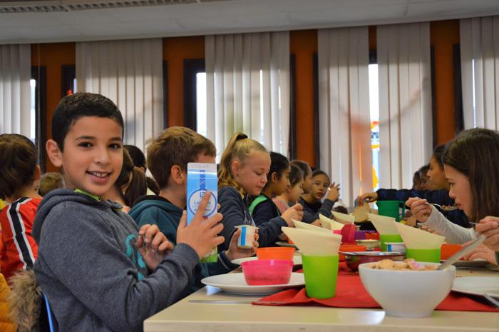 Nieuw onderzoek: meerderheid ouders eet niet of te weinig gezellig samen met kinderen