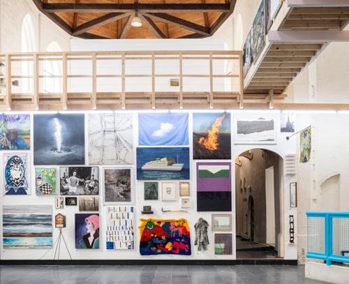 742 Gentse kunstenaars tonen en verkopen hun werk in Kunsthal Gent tijdens de tweede editie van het Zomersalon