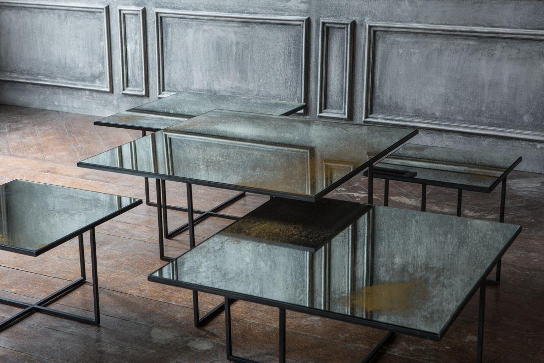Notre Monde Surface Tables