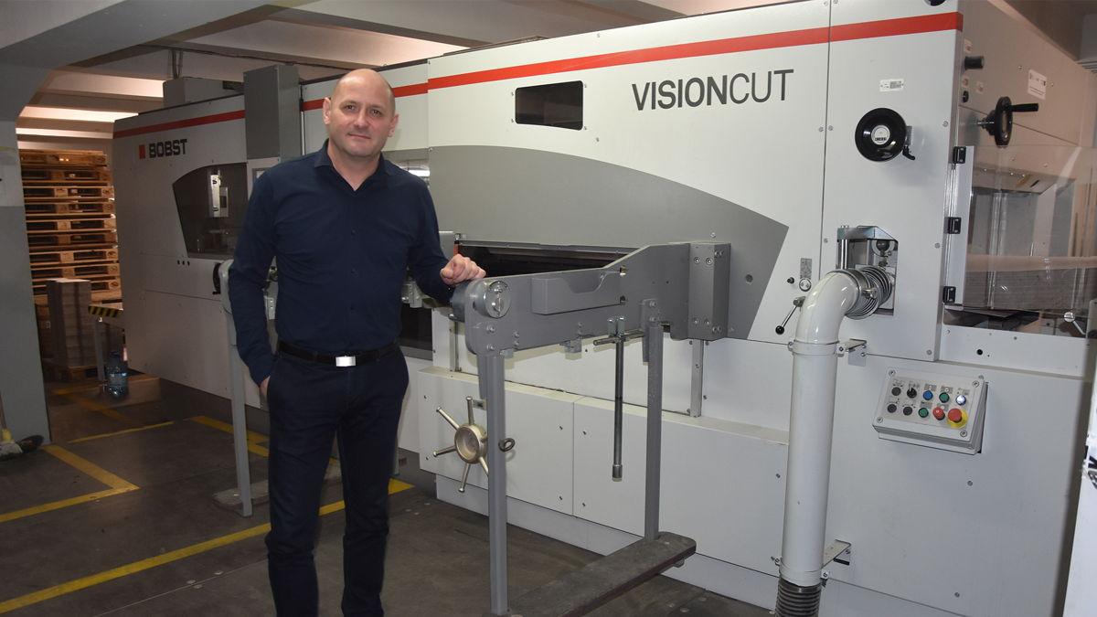 Mr. Arkadiusz Nitkowski from Armapak with VISIONCUT