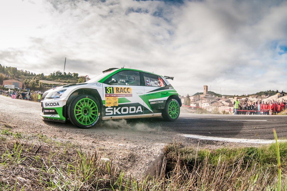 In WRC 2 Jan Kopecký/Pavel Dresler (ŠKODA FABIA R5) won all seven stages of the day moving into second in the category at RallyRACC Catalunya – Rally de España
