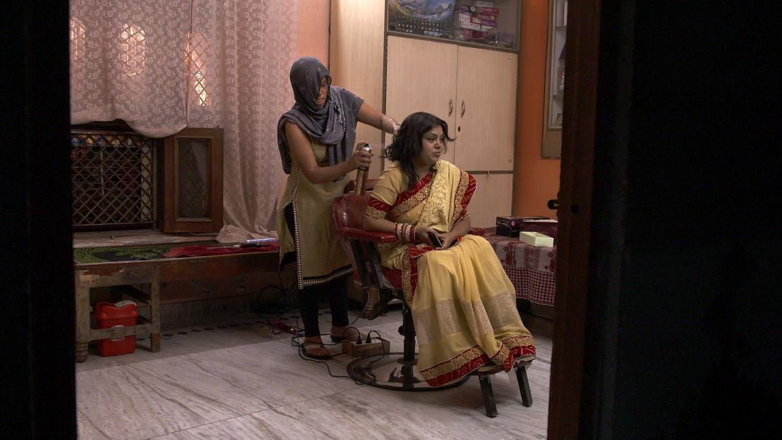 Barber shop: New Delhi - (c) Luc Vrydaghs