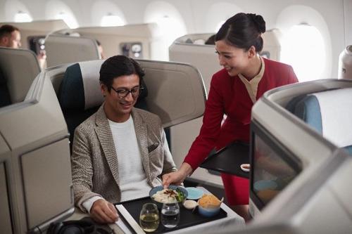 国泰航空及国泰港龙航空推出公务舱特惠 往返含税4,000元起