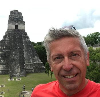 Danny Peeters was ook een fervent reiziger, die studenten aanmoedigde om  een internationale stage aan te vatten en zo hun horizon te verbreden.