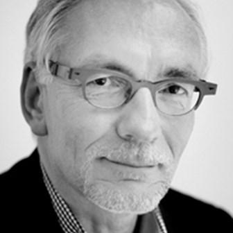 VUB-Prof. Fons Van Dyck toont hoe ondernemingen kunnen overleven op lange termijn