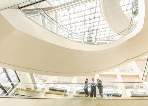 Schneider Electric investit dans Planon Beheer B.V. pour rendre les bâtiments sains et durables grâce au digital.