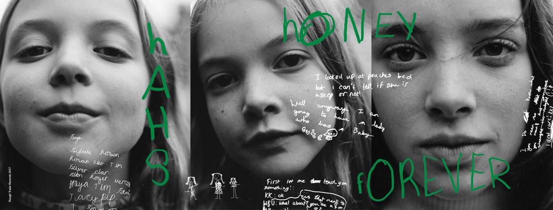 A Zara környezetvédelmi kampányában szerepel a brit csodagyerektrió, a Honey Hahs
