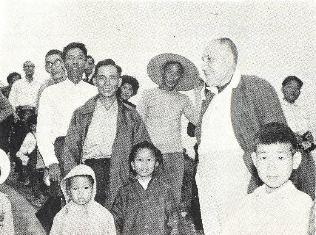 Lawrence Kadoorie visits villagers
