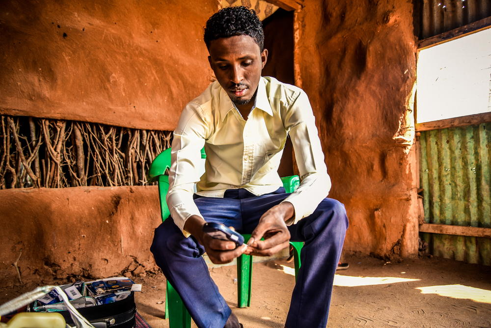 Mohamed Hussein, refugiado somalí en el campo de Dadaab en Kania. Vive con diabetes de tipo 1. ©  Paul Odongo/MSF