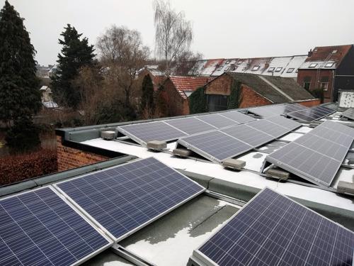 Burgers investeren in 118 zonnepanelen voor basisschool De Ark