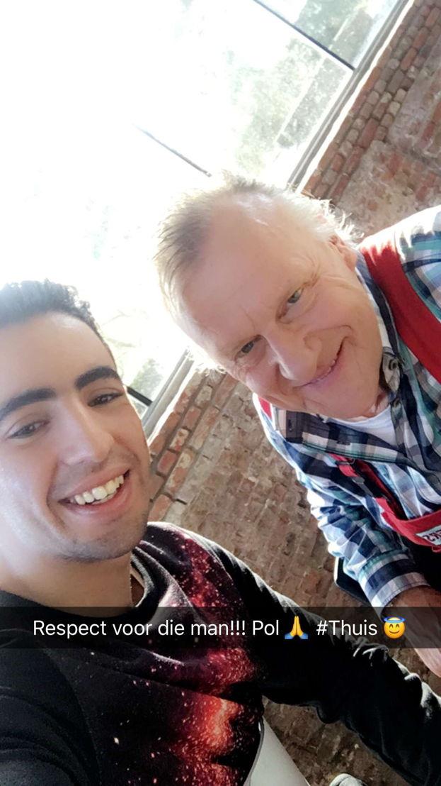 Selfie van Aboubakr Bensaihi en Pol Goossen, één van de nieuwe THUIS-collega's die Aboubakr erg bewondert.
