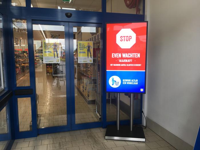 Lidl installeert digitale portier om aantal klanten in winkels te regelen