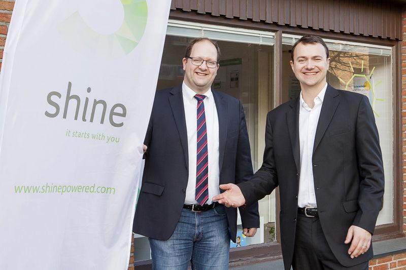 Bürgermeister von Reken Manuel Deitert und shine CEO Felix Grolman