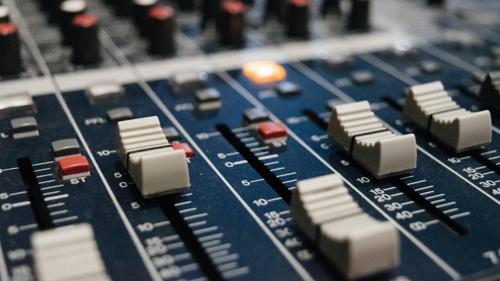 Nieuwe CIM-cijfers: Radio 2 blijft afgetekend marktleider in steeds diverser radiolandschap