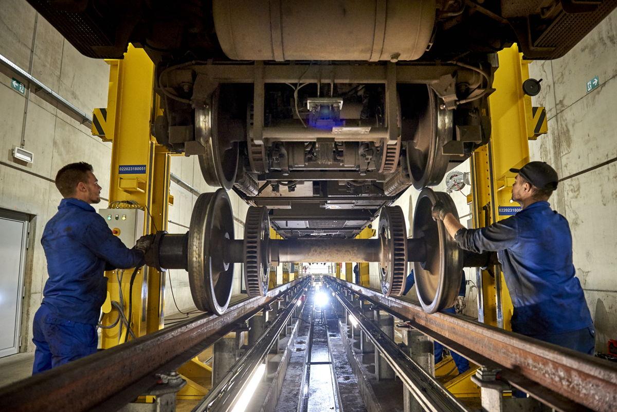 In 2019 heeft NMBS 604,6 miljoen euro geïnvesteerd, voornamelijk in de modernisering van de stations en de werkplaatsen.