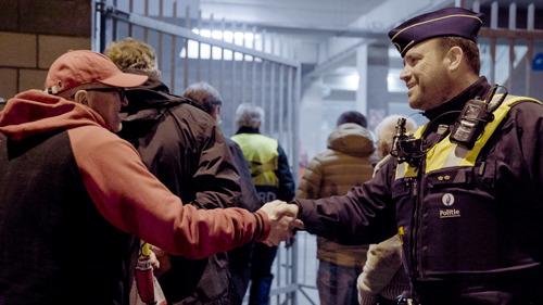 De Limburgse agenten glijden letterlijk van de ene interventie in de andere