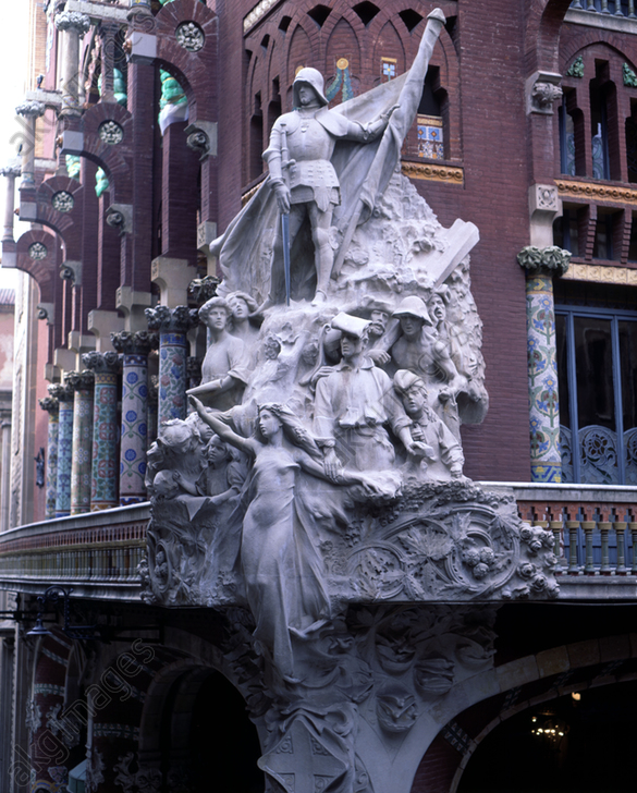 Detail of the exterior of the Palau de la Música Catalana (1905-1908), with the Sculpture group &#039;The Catalan popular cançó&#039;, by Miquel Blay<br/>AKG5829695