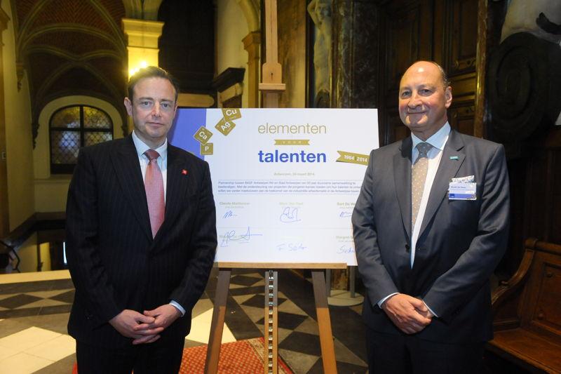 50 ans BASF Anvers - Session académique - Bourgmestre Bart De Wever et Wouter De Geest, administrateur délégué BASF Antwerpen