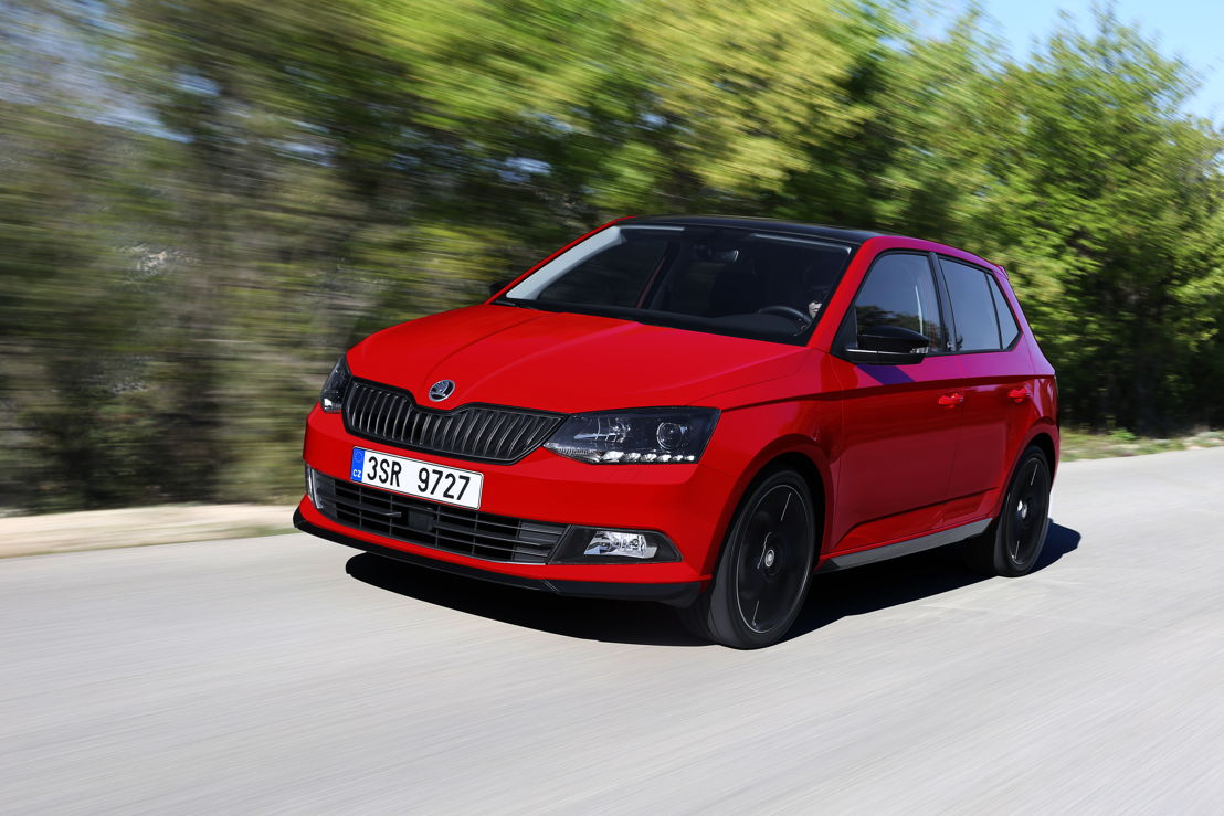 Less cylinder capacity, more power. In the ŠKODA FABIA and ŠKODA FABIA COMBI, a 1.0 TSI engine with three cylinders and four valves is replacing the 1.2-litre engine with four cylinders that has been used to date.