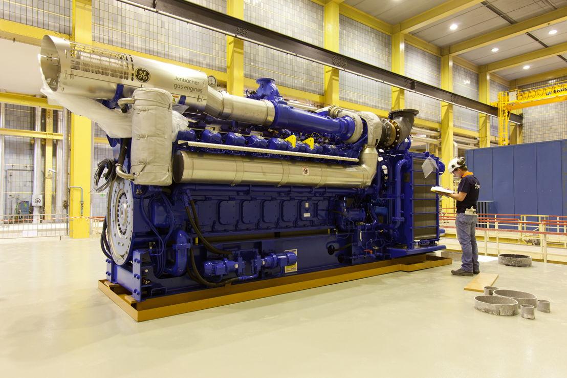 Nieuwe WKK-motor (WKK = warmtekrachtkoppeling) in Gent Ham.