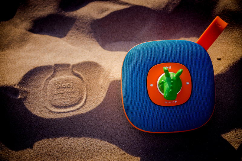 Jooki at the beach 03
