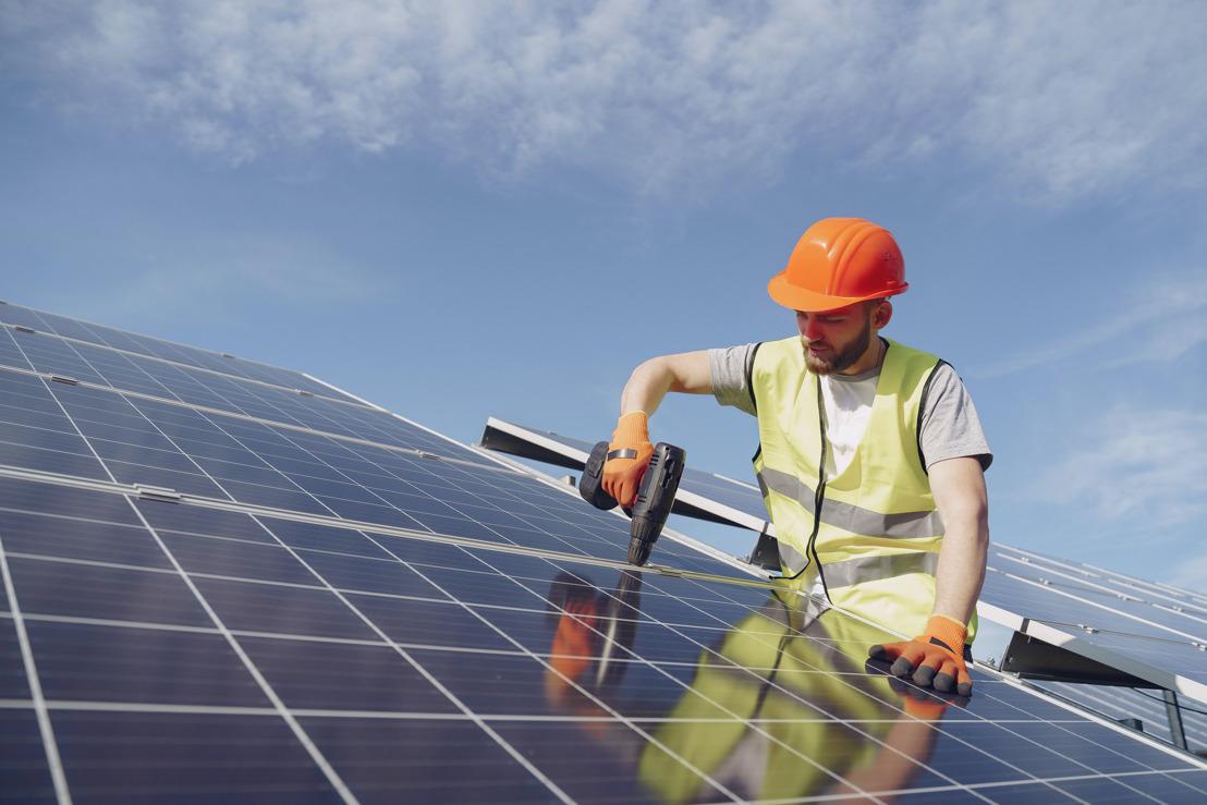 June Energy biedt gezinnen met zonnepanelen oplossing voor verdwijnen terugdraaiende teller