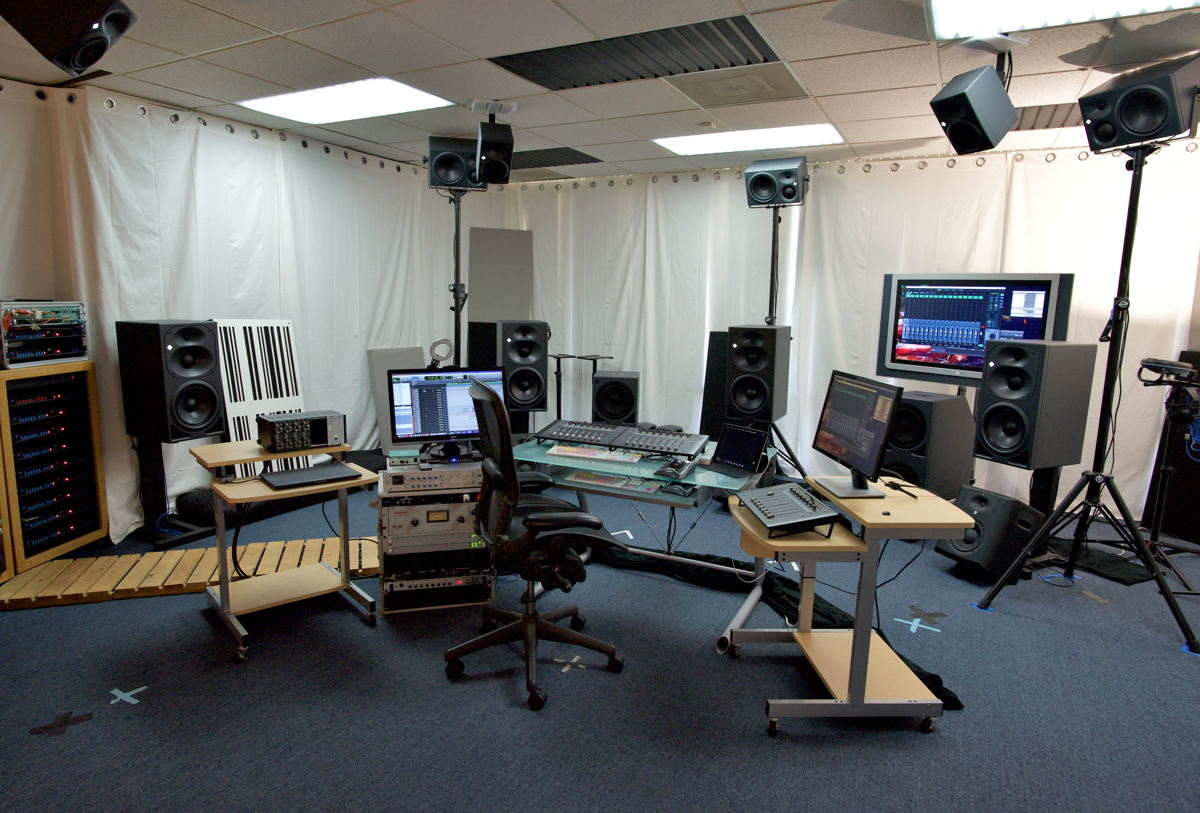 Neumann KH 420, 870, 310 and 120 monitors adorn the studio.
