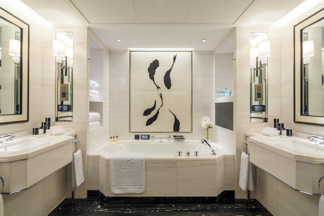 The Peninsula Beijing - Beijing Deluxe Room Bathroom