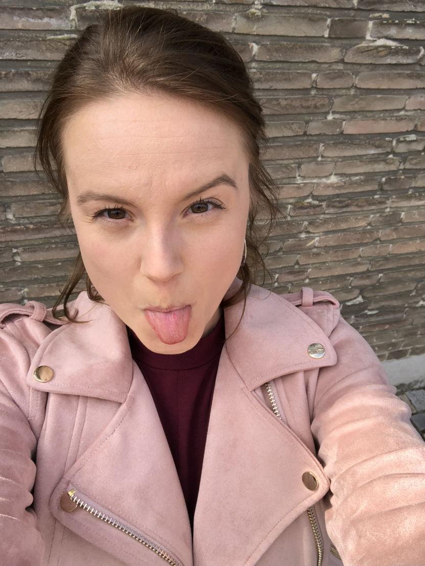 Eve van Avermaet (Lauren) - Secrets (c) VRT