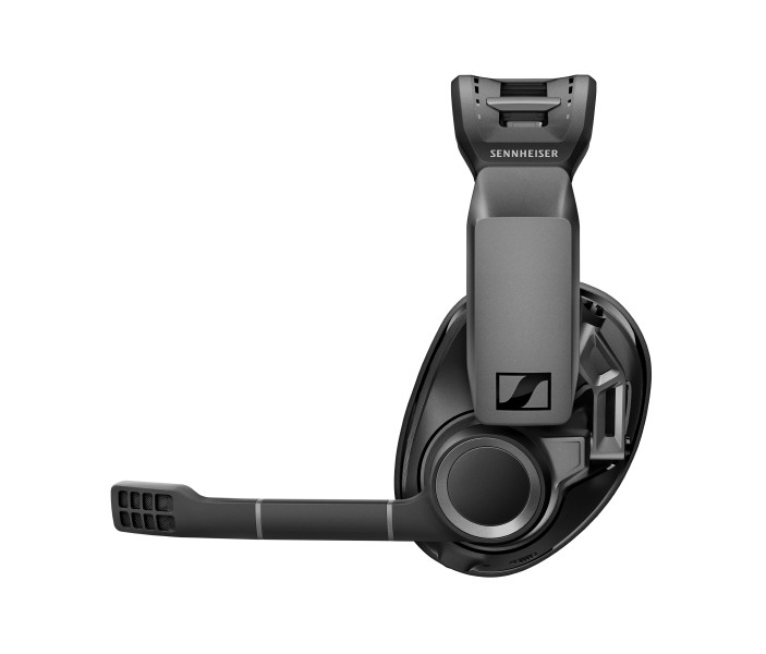 The GSP 670 microphone can be muted by simply  lifting the boom arm.