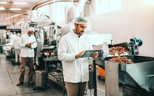 Lode (27) maakte zijn droom waar en is voedingscontroleur bij het Federaal Voedselagentschap