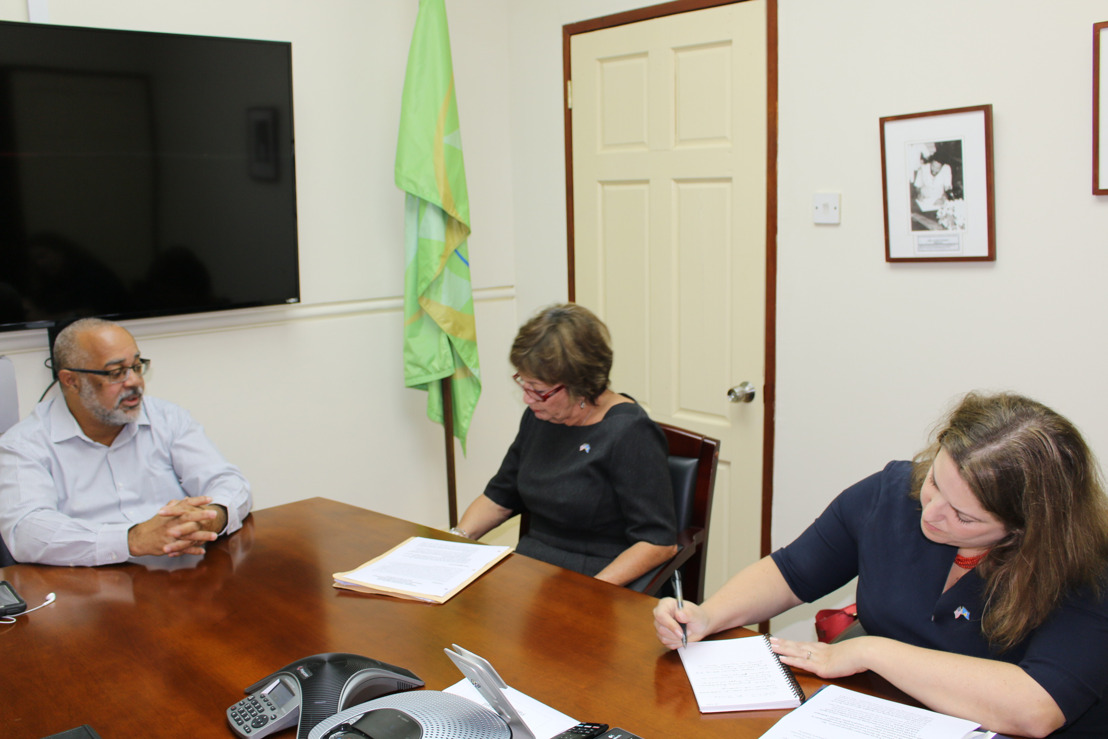 US Ambassador pays courtesy visit to OECS Commission
