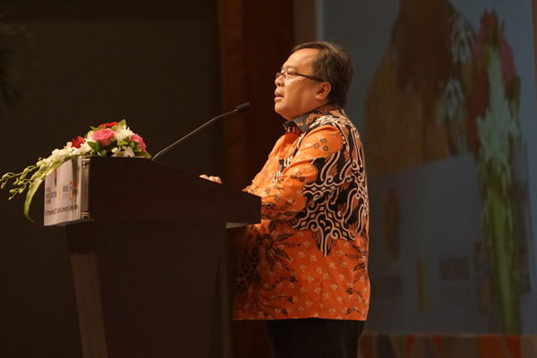 Preview: OPEN FOR EVOLUTION: MINISTRY ASKS CONTRACTORS TO INVEST IN INDONESIA