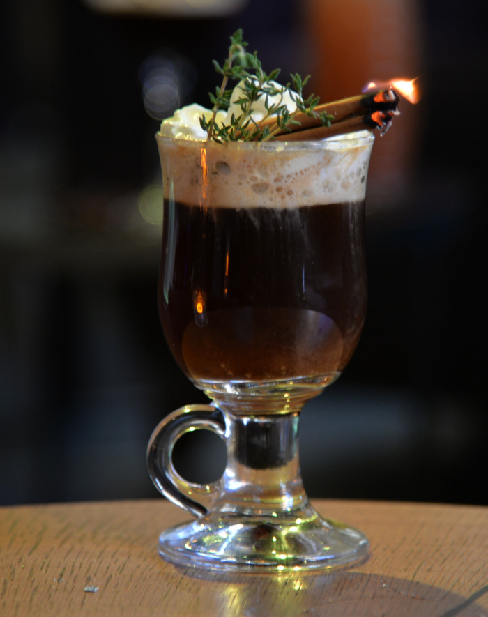Hippe kerstcocktails in trendy winterbar Bar Nine