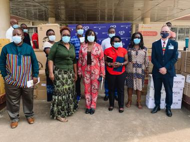 Masken und Schutzausrüstung für Afrika