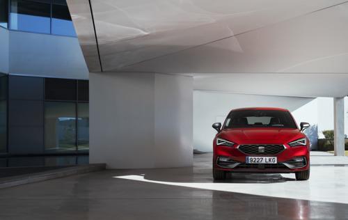 La toute nouvelle SEAT Leon obtient cinq étoiles au test de sécurité Euro NCAP renouvelé et plus strict