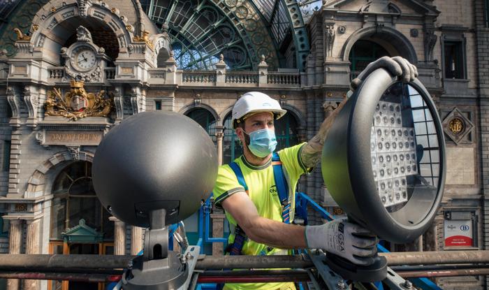 NMBS vervangt in Antwerpen-Centraal 15.000 lampen door LED-verlichting