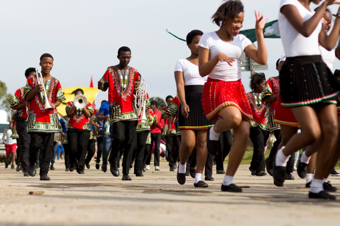 The-Transformations-TransActions-6th-Annual-Street-Parade-2015---National-Arts-Festival-2015-credit---CuePix-Sithasolwazi-Kentane-small