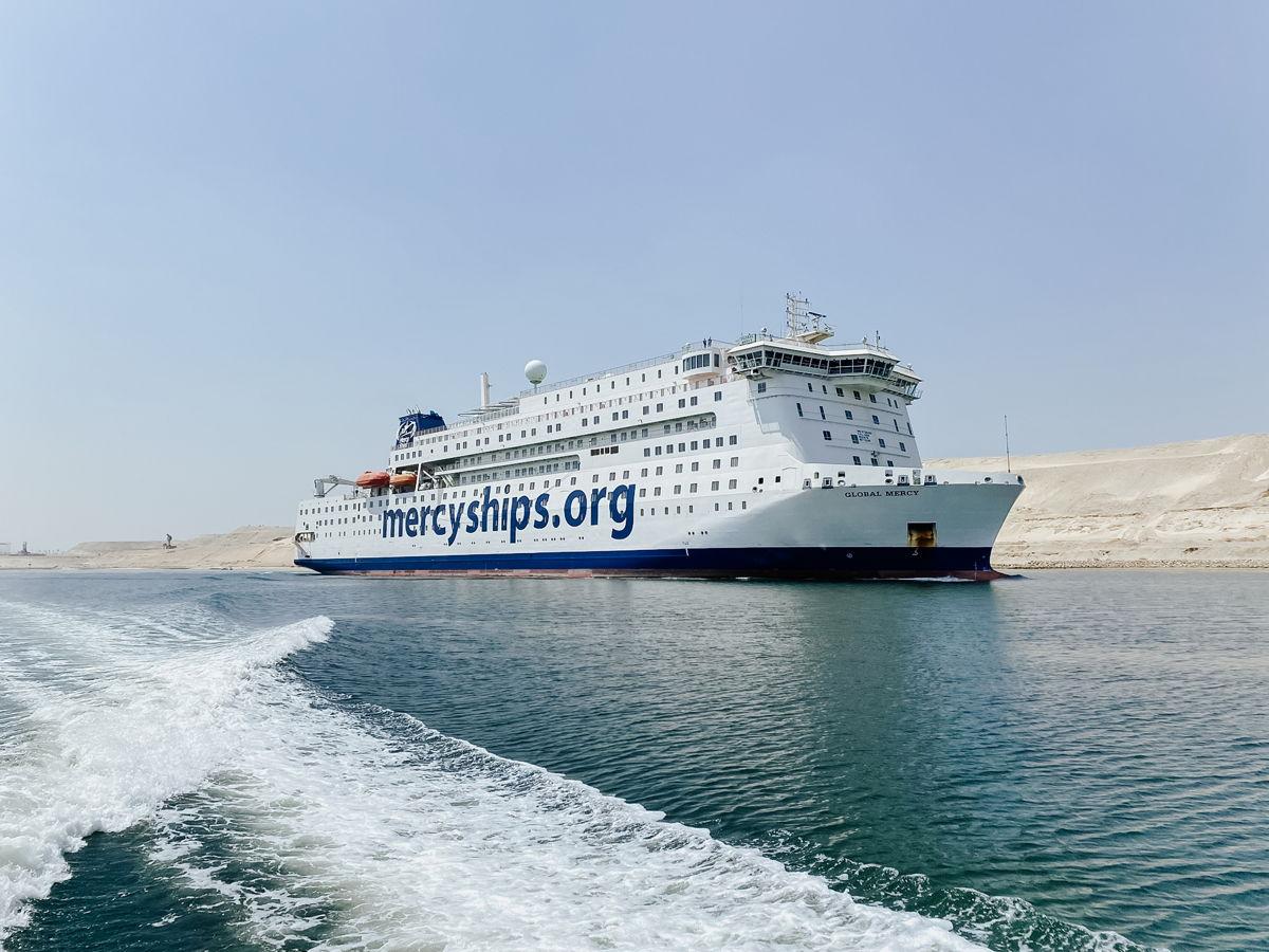 Global Mercy under färd i Suez-kanalen