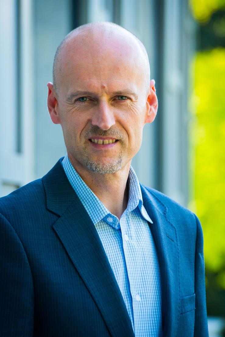"Professor Johan Albrecht - auteur van ""Energietrilemma"""