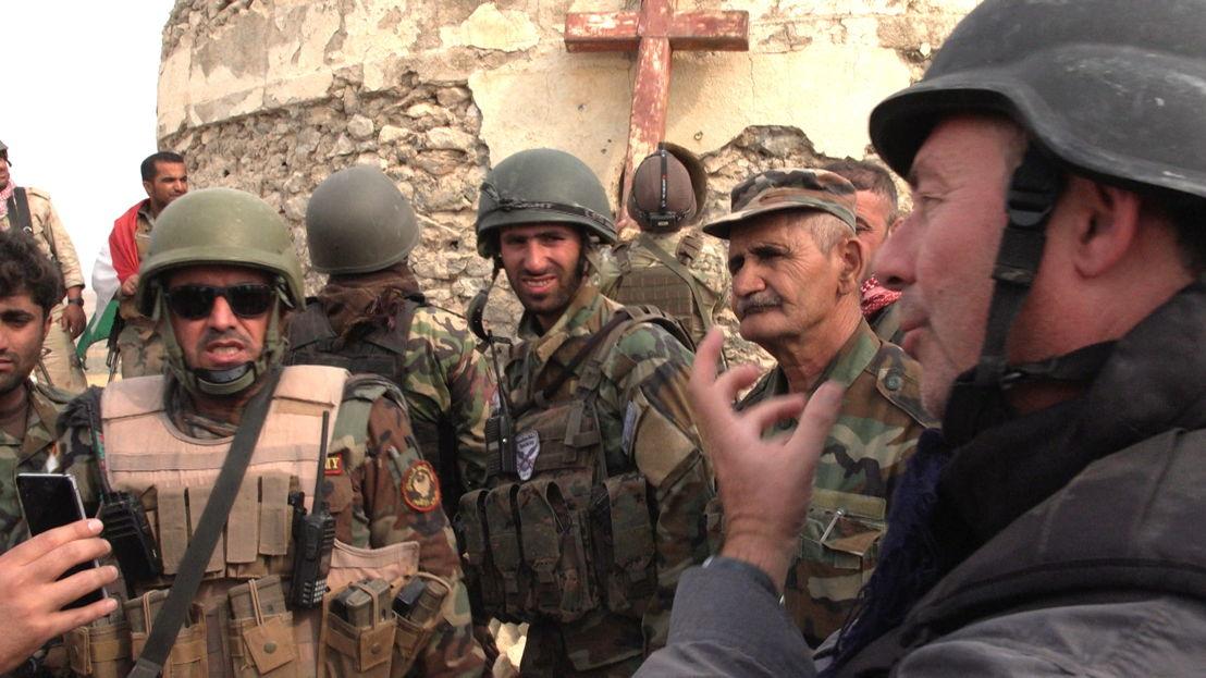 IS in het vizier - Afl 2 : Rudi Vranckx met Koerdische Peshmerga - (c) VRT