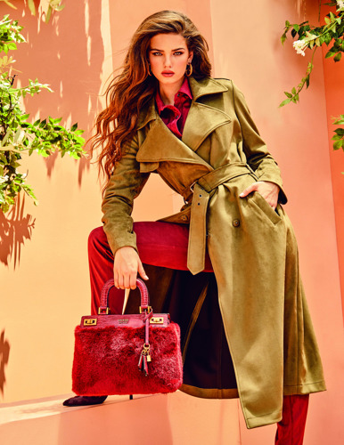 GUESS HANDBAGS - FW21 - Campaign images